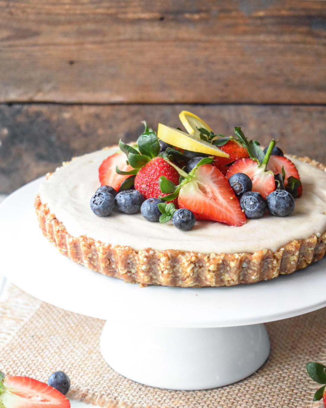 Raw Vegan Lemon Cashew Cheesecake